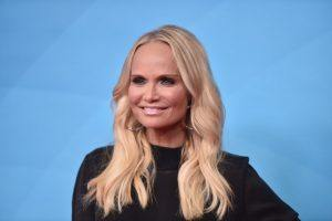 Kristin Chenoweth's Net Worth: What Does She Make as a Singer?