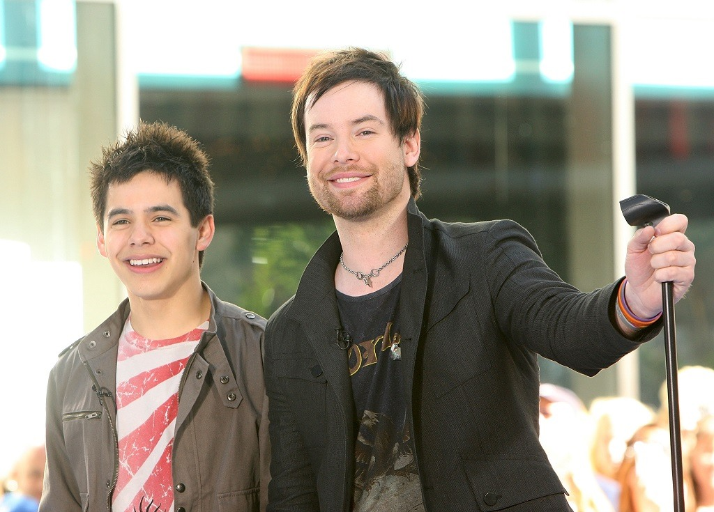 Runner-up David Archleta (L) and winner David Cook