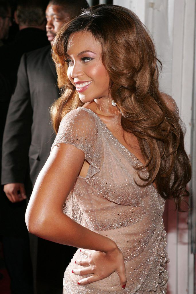 "Beyonce Knowles attends the ""Dreamgirls"" premiere"