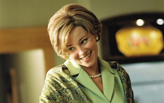 "Elizabeth Banks in ""W"""
