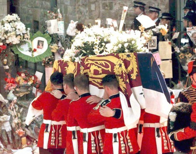 Welsh Guardsmen carry Princess Diana's coffin into Westminster Abbey