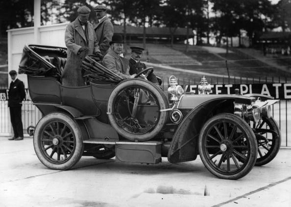 1907 Mercedes car