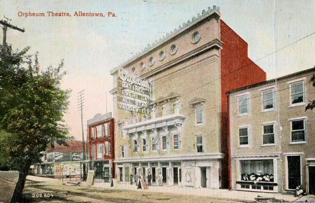 The Orpheum Theater in 1910