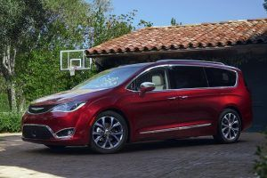 Everything New in the Chrysler Pacifica and Hybrid Minivans for 2019