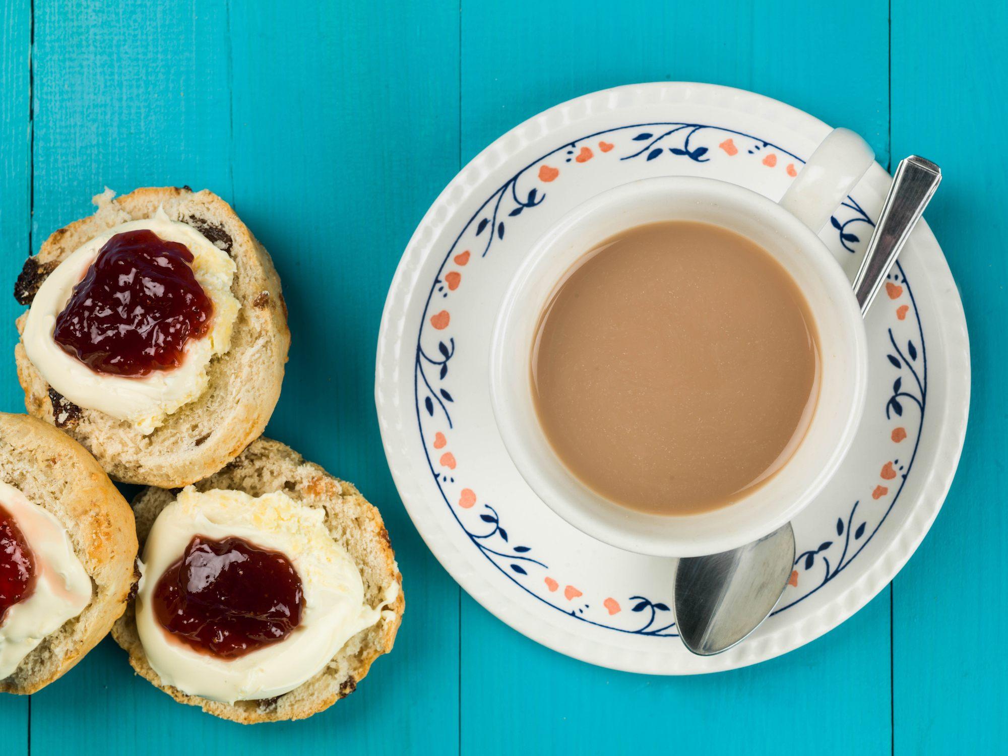 English cream tea etiquette