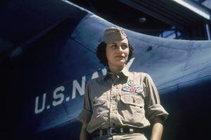 Rare Color Photos Show American Women at Work During World War II