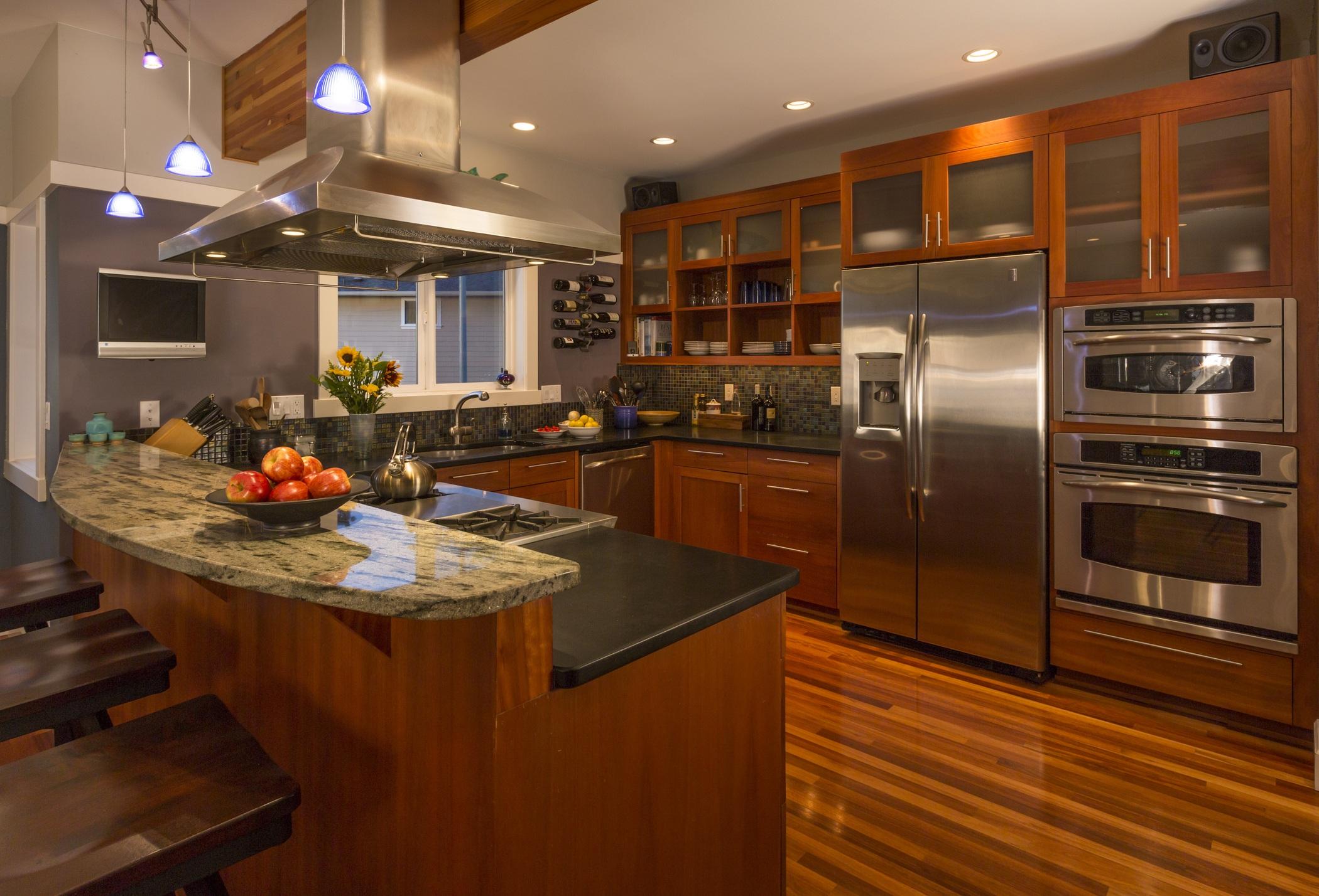 Cherry cabinets kitchen