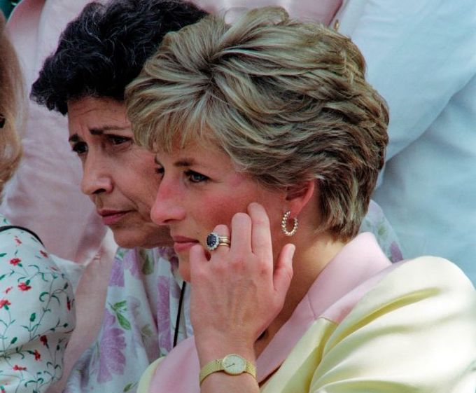 Princess Diana Wedding Ring.Here S How Much Princess Diana S Engagement Ring Is Worth Today
