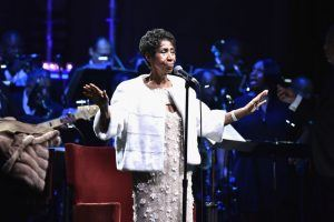 Aretha Franklin Dies at 76: Diana Ross and More Celebrities Paying Tribute to the 'Queen of Soul'