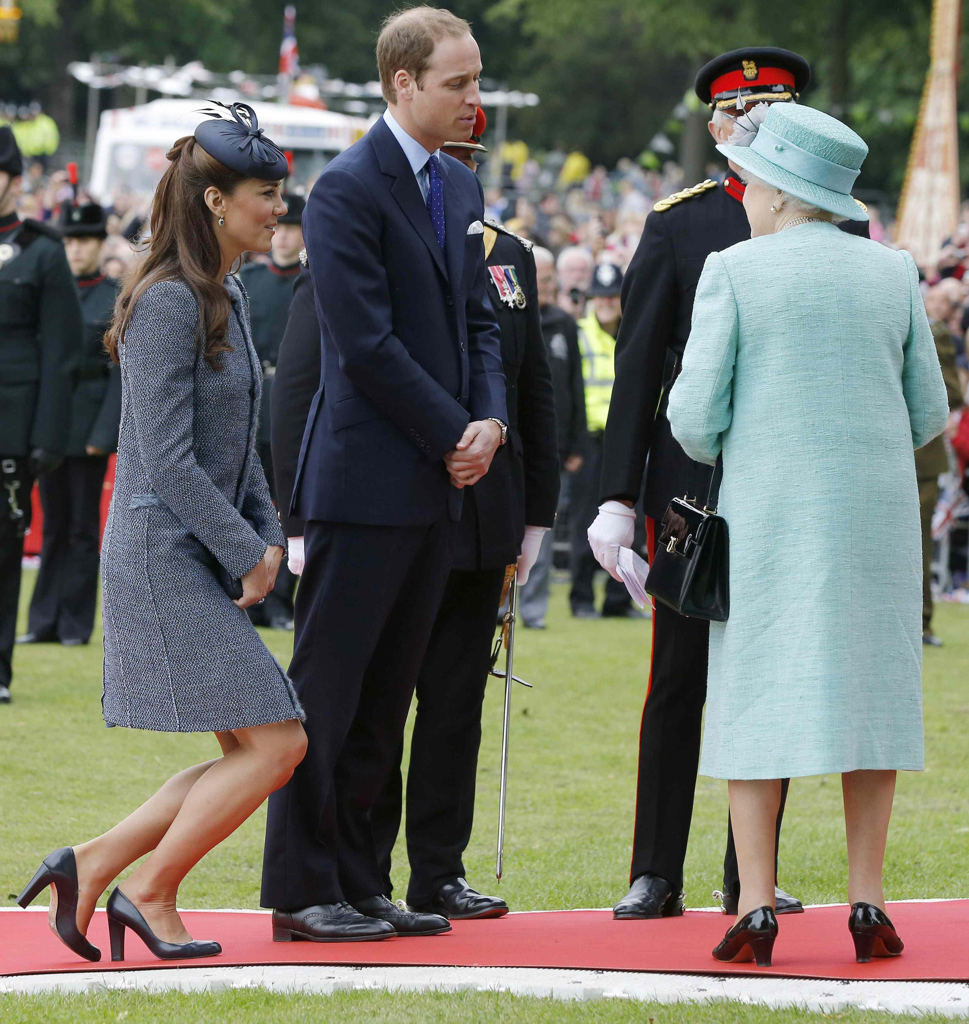 Kate Middleton Curtsy