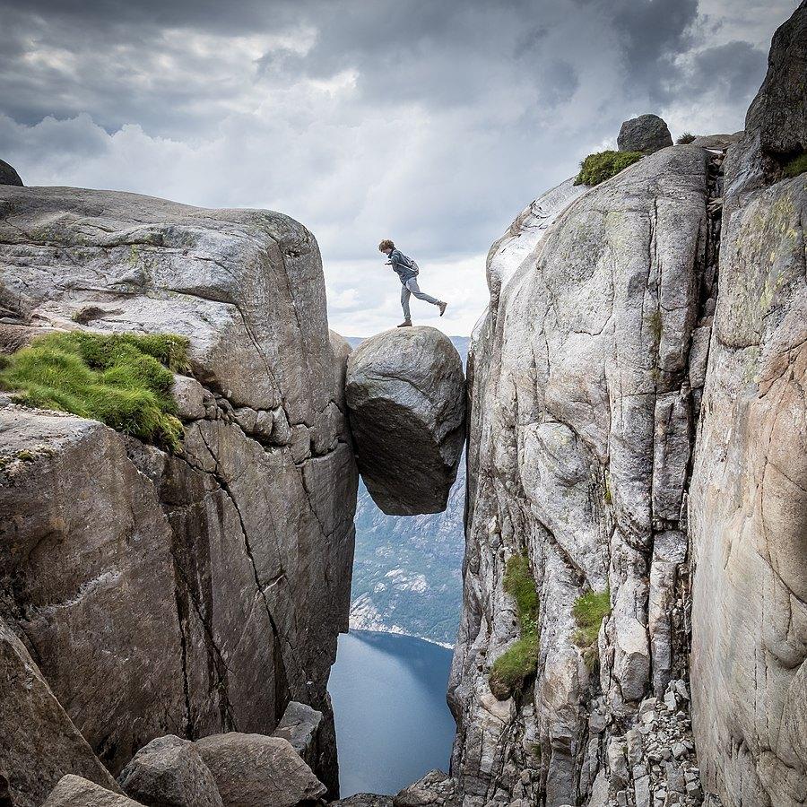 Kjeragbolten, Norway