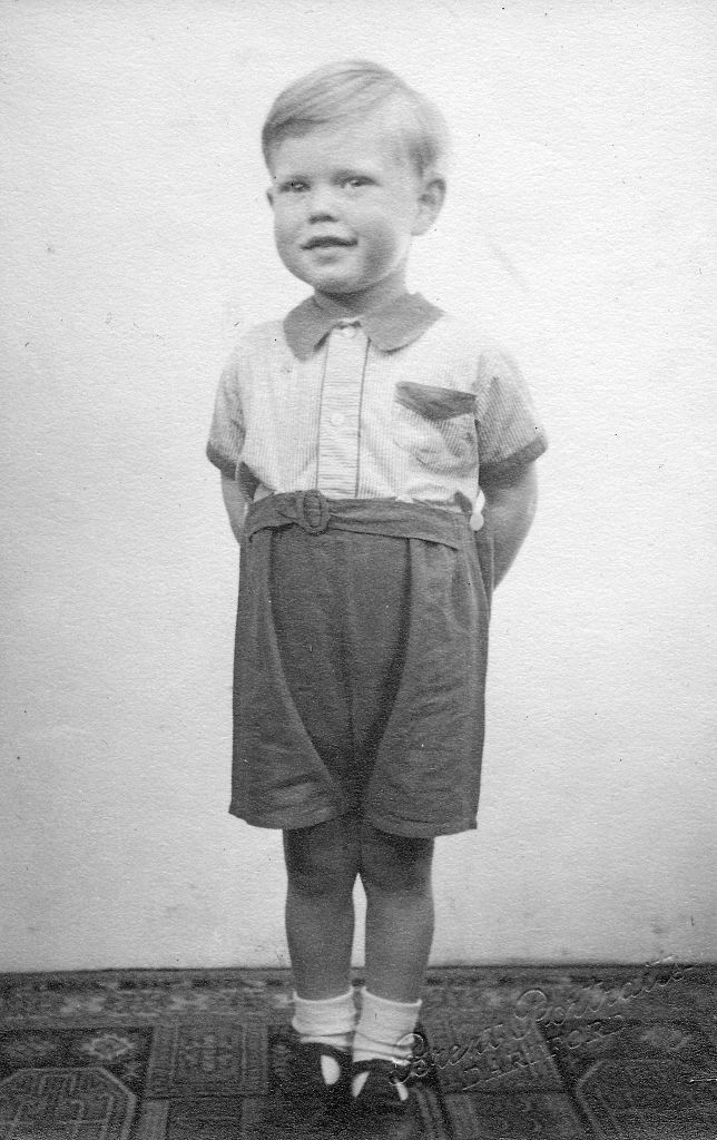 Mick Jagger age 3 circa 1946