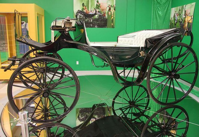 The Wizard of Oz carriage