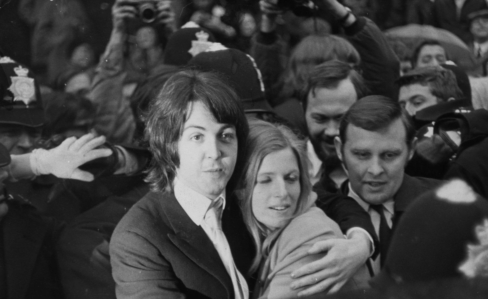Paul McCartney marries Linda