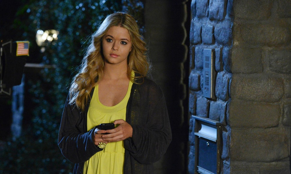 Sasha Pieterse in 'Pretty-Little Liars'