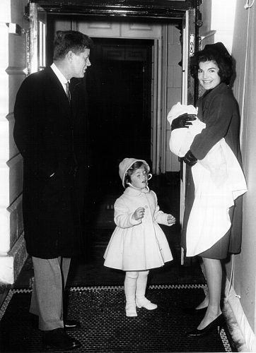 The Kennedy family arrives at the White House