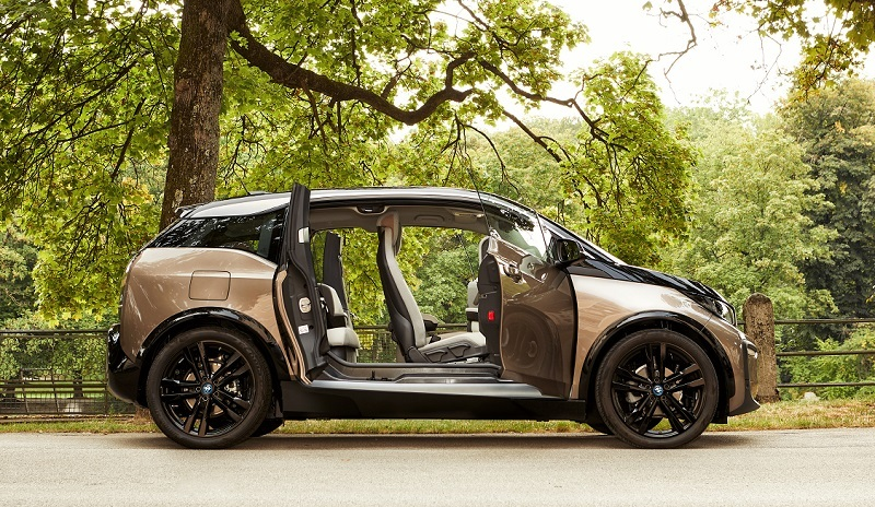 The BMW i3's New 200-Mile Model and Other Upgrades to the EV for 2019