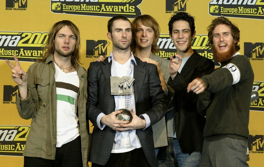 Adam Levine and the rest of the Maroon 5 band members in 2004