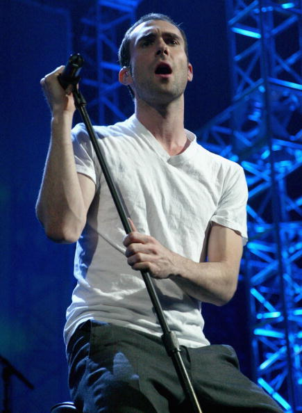 Adam Levine of Maroon 5 performs at KIIS-FM's 4th Annual Jingle Ball in 2004