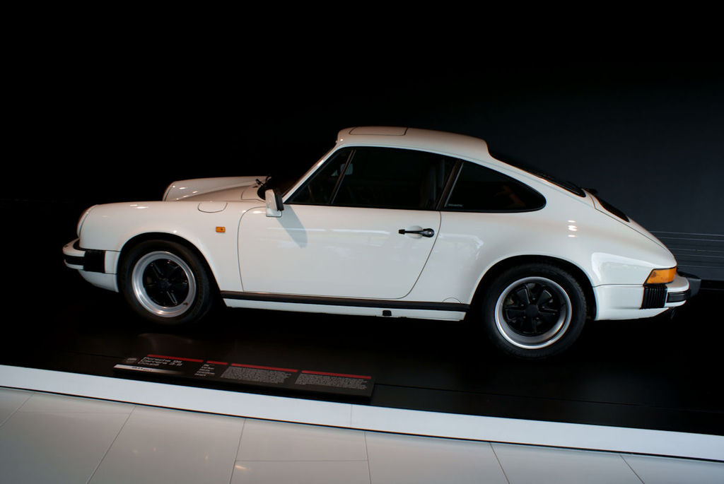 Porsche 911 1988 Carrera Coupe