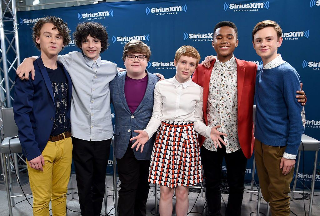 Sophia Lillis (C) with the rest of the kids from It