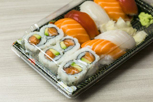 Takeaway food plastic containers for Sushi, Sashimi and Futomaki rolls