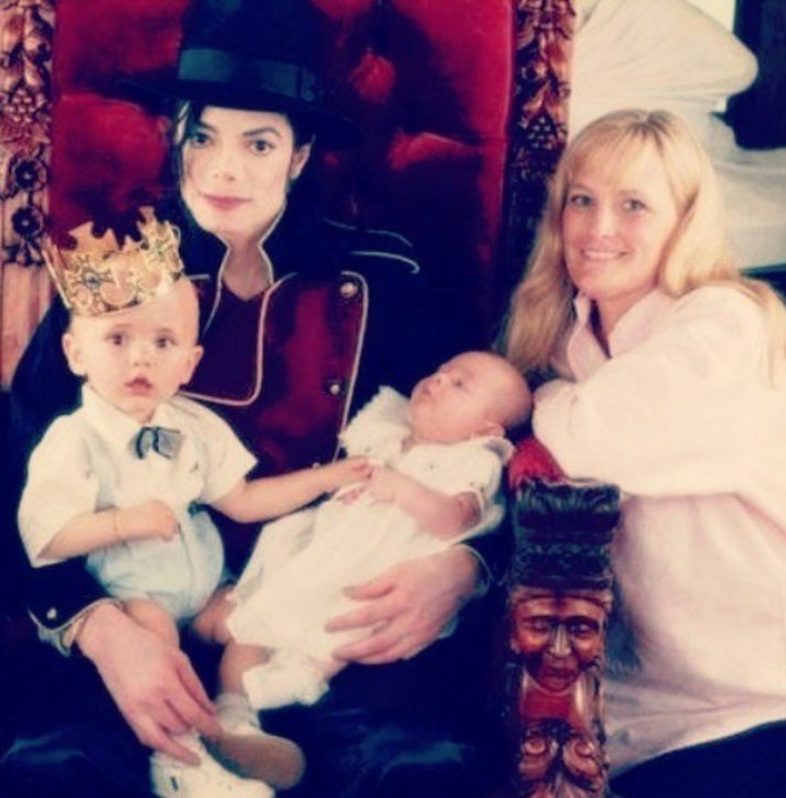 Michael Jackson with Debbie Rowe and his kids