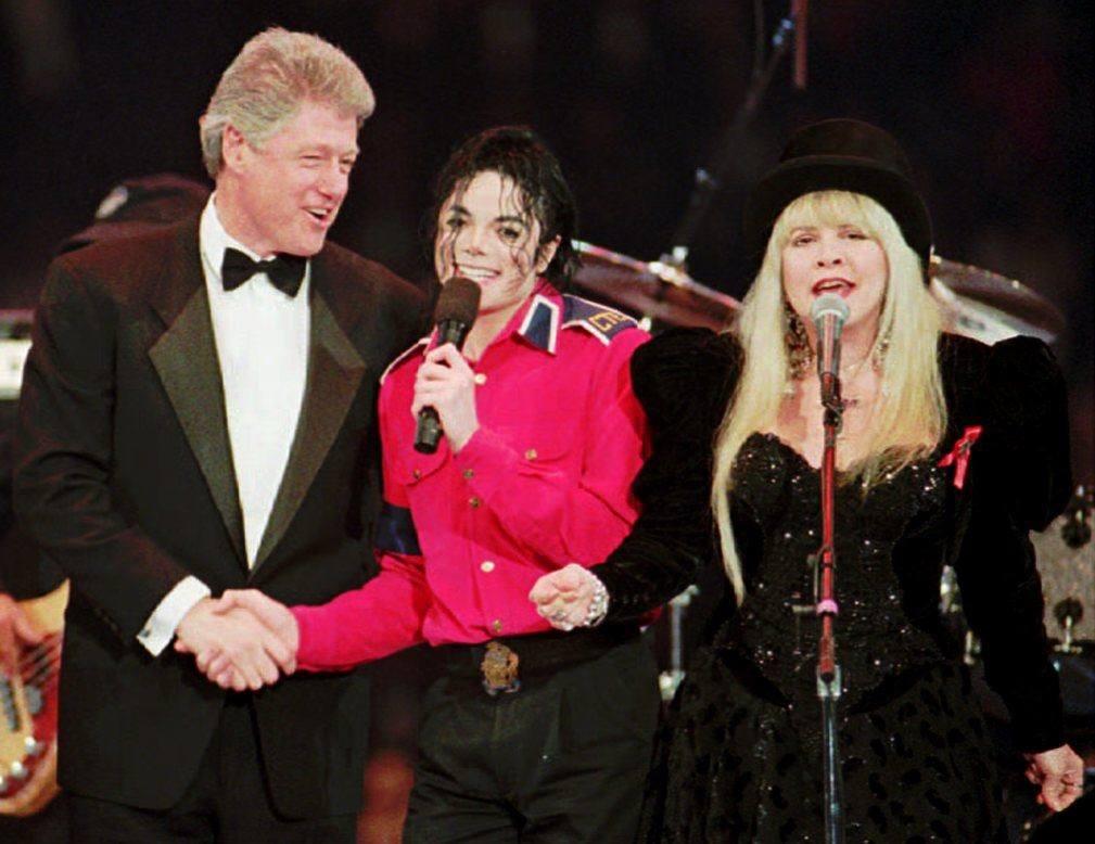 Michael Jackson performs with Stevie Nicks