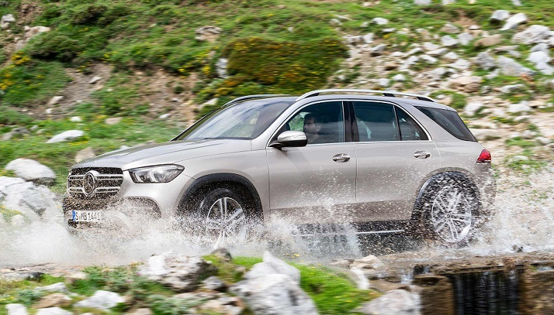 The New Front in the Mercedes-BMW Fight: Plug-in Hybrid SUVs