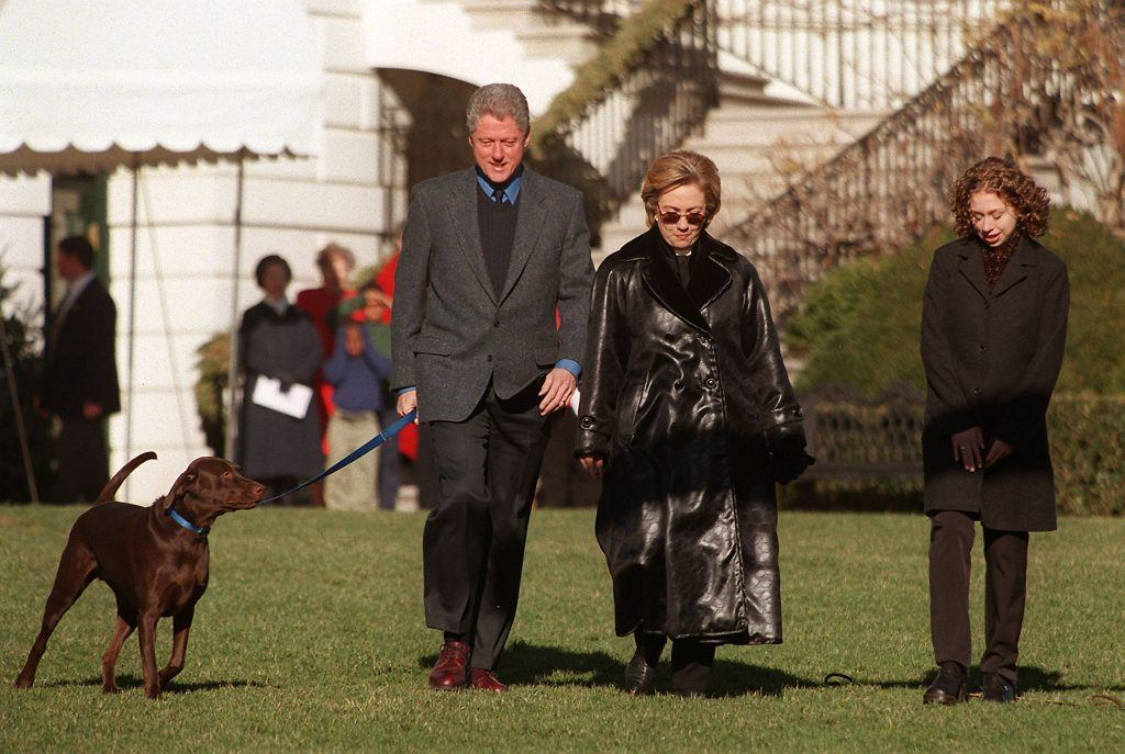 President Bill Clinton, (L), first lady Hillary Rodham Clinton, and daughter Chelsea