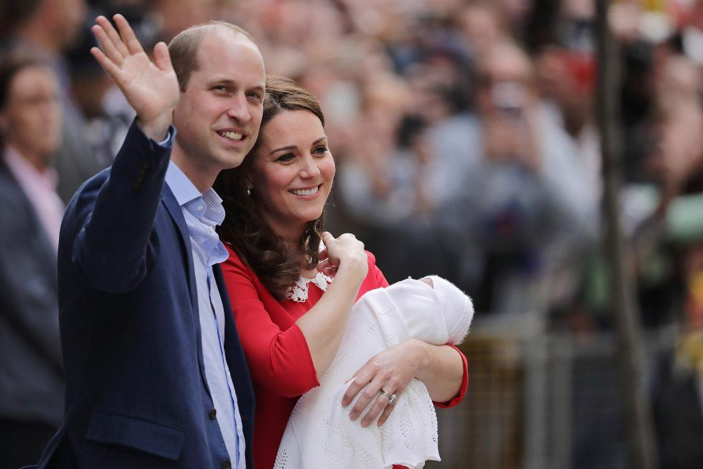 Prince William and Kate Middleton leave the hospital with Prince Louis