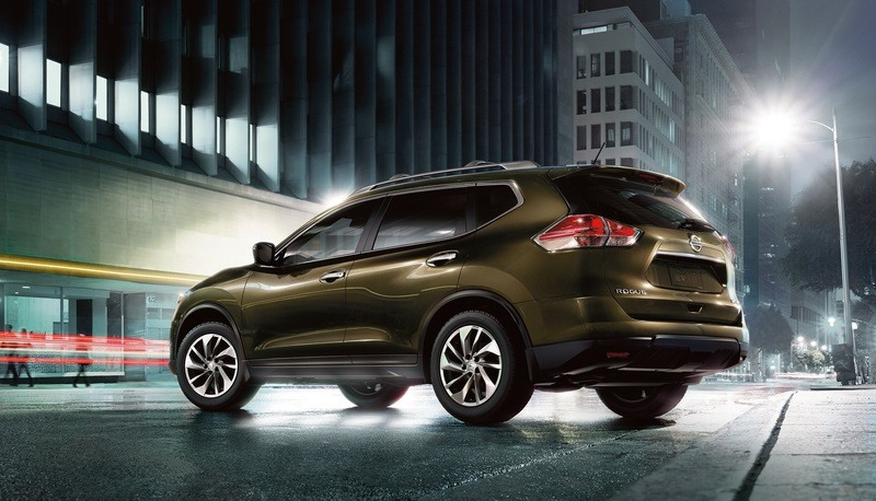 The 2015 Nissan Rogue's bold, sharp bodylines offer a sporty and confident appearance, balancing its sleek style with an aggressive stance provided by large wheelwells and available 18-inch wheels and tires.
