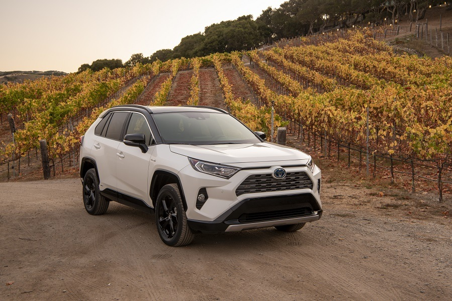 2019 Toyota Rav4 Hybrid Breaks Through With 39 Mpg 219 Horse