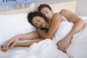 4 Things Happy Couples Do Before Bed