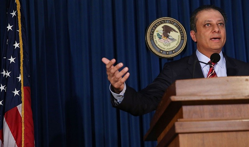 Manhattan U.S. Attorney Preet Bharara speaks at a news conference in Manhattan to announce that Federal prosecutors have reached an agreement with General Motors over a criminal investigation into how the Detroit automaker broke the law by concealing a deadly problem with small-car ignition switches on September 17, 2015 in New York City. General Motors will pay $900 million to settle criminal charges in the case which has been tied to at least 124 deaths.