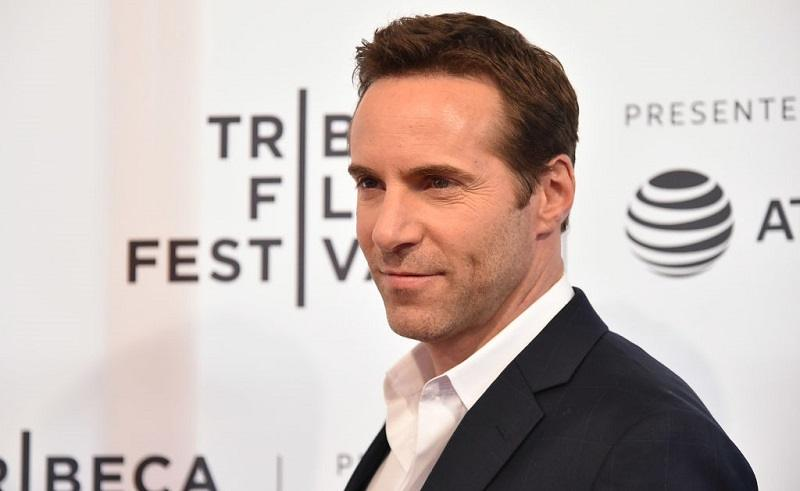 "NEW YORK, NY - APRIL 22: Alessandro Nivola attends a screening of ""To Dust"" during the 2018 Tribeca Film Festival at SVA Theatre on April 22, 2018 in New York City."
