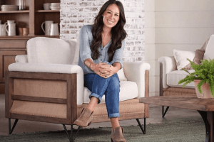 Joanna Gaines Shares Her Design Tips For a Welcoming Entryway