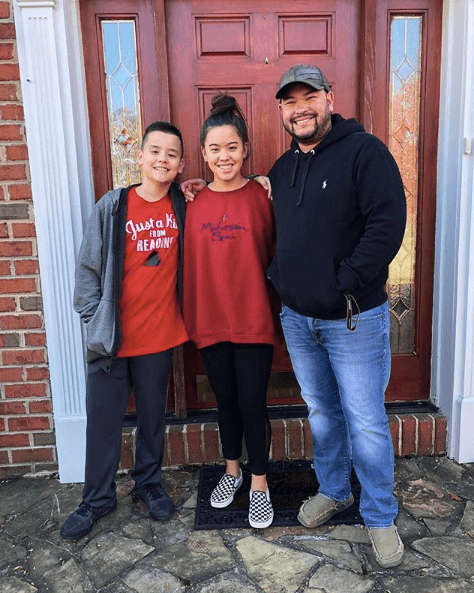 Jon Gosselin with his children