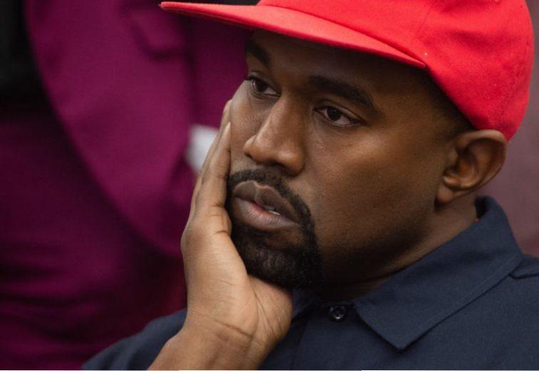 3eddac0abaa5 Is Ariana Grande Trolling Kanye and Drake on Twitter