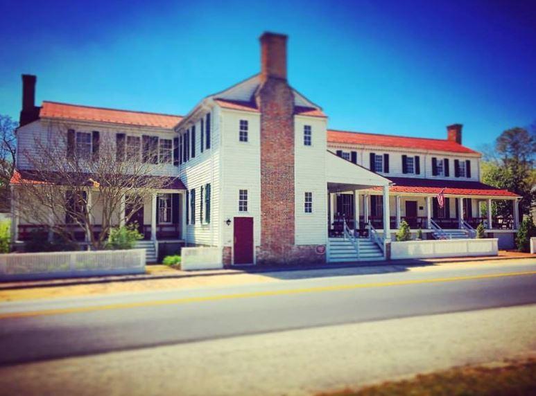 oldest bars in America, Hanover Tavern VA