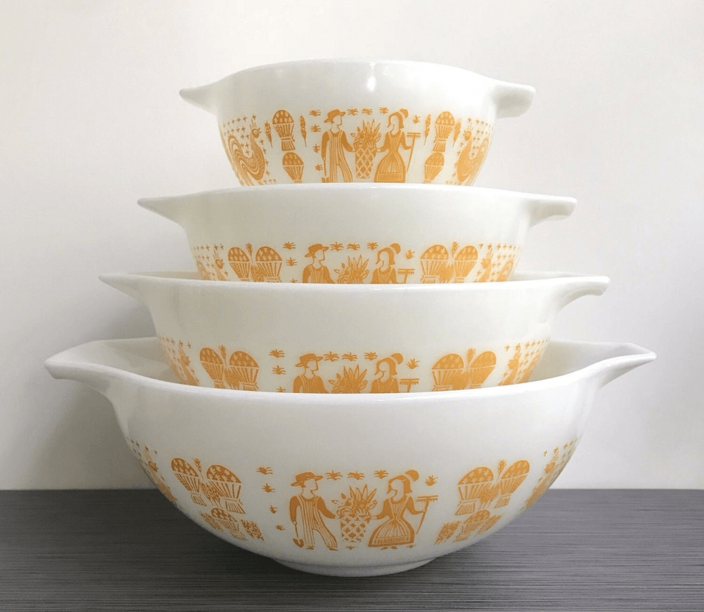 Pyrex Butterprint Dish Set
