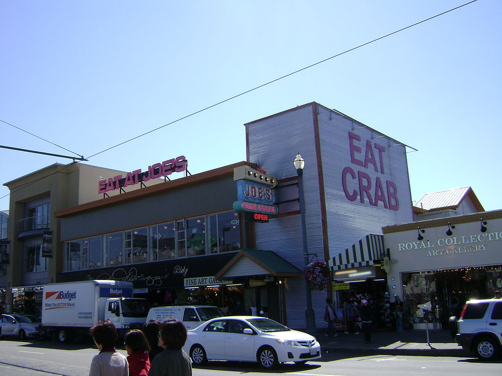 Even the CEO of Joe's Crab Shack says the restaurant is struggling.
