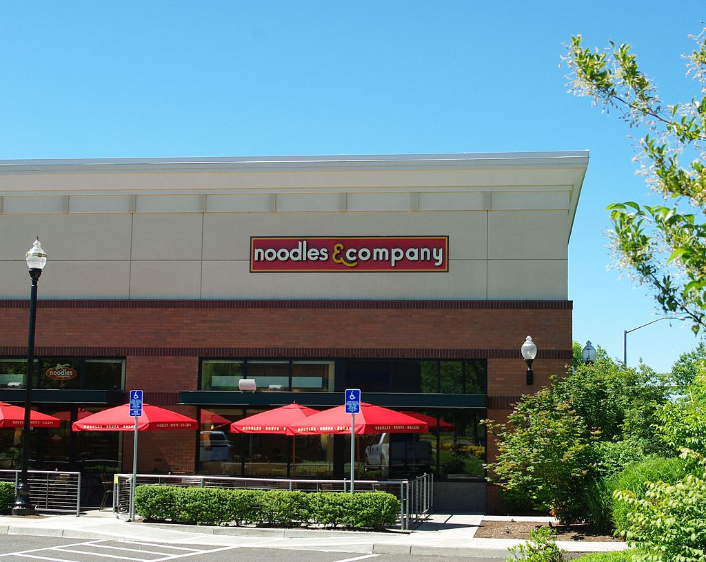 Noodles & Company is one of America's struggling restaurants.