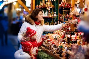 How to Save Money on Holiday Gifts