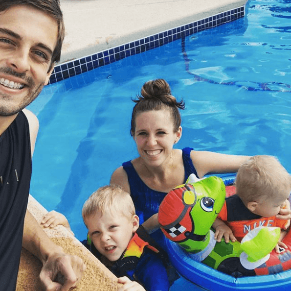 Derick Dillard, Jill Duggar, and their two kids