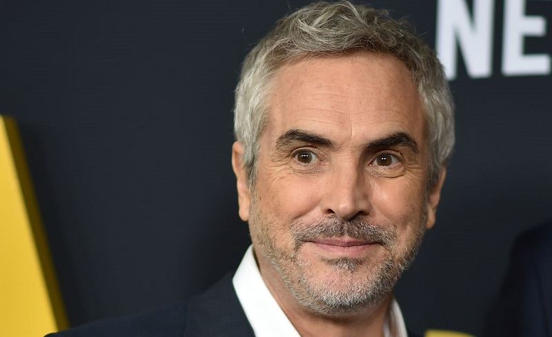 movie director Alfonso Cuarón has the best Oscar odds for best picture