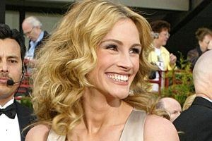 Julia Roberts: How Much Is the 'Pretty Woman' and 'Homecoming' Star Worth?