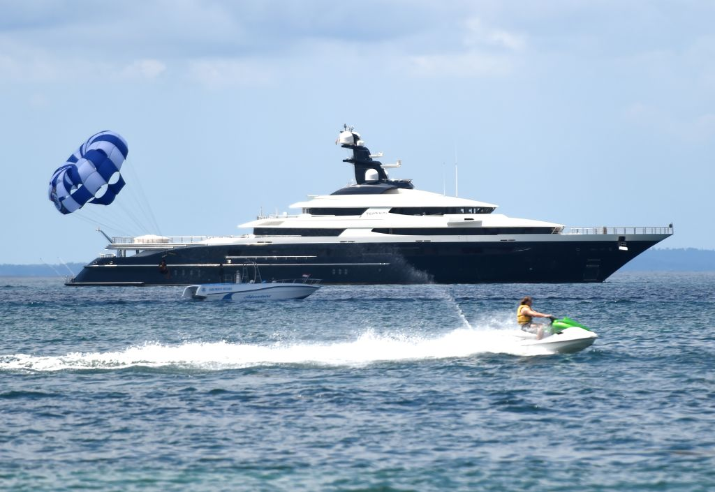 The $250 million luxury yacht Jho Low bought with his stolen money.