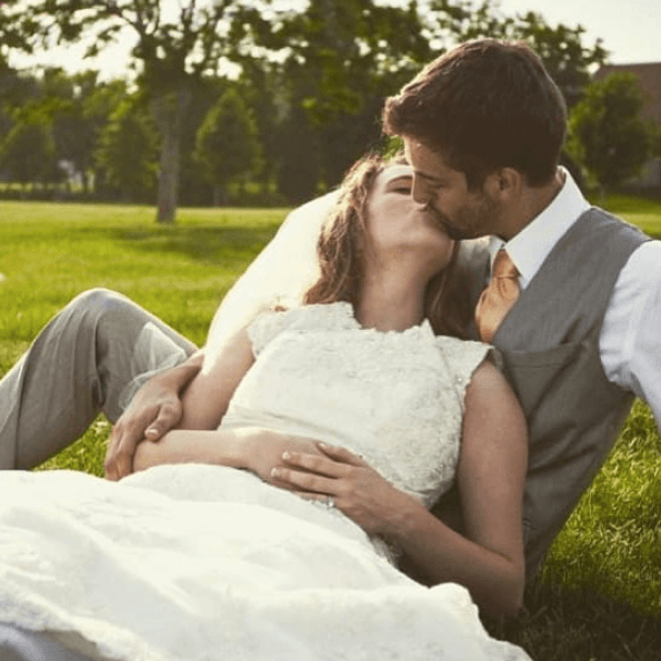 Jill Duggar and Derick Dillard on their wedding day
