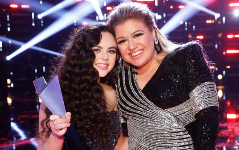 Kelly Clarkson and Chevel Shepherd